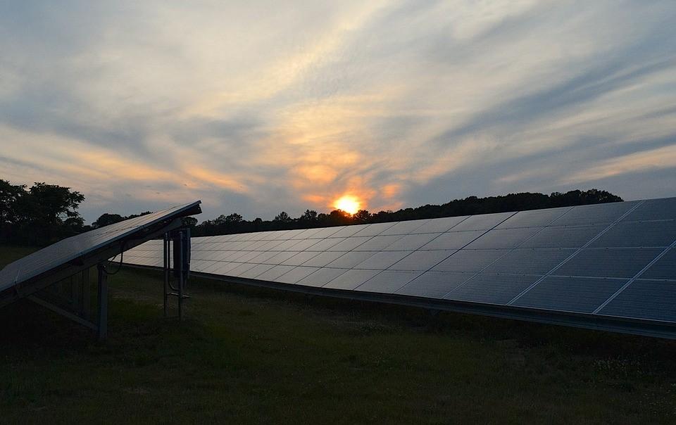 Zonnepanelen huren en zuinig omgaan met energie